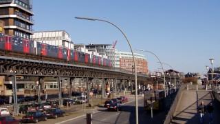 U-Bahn Richtung Baumwall