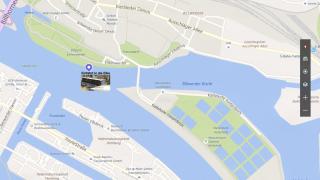 Riverbus Einfahrt in die Norderelbe